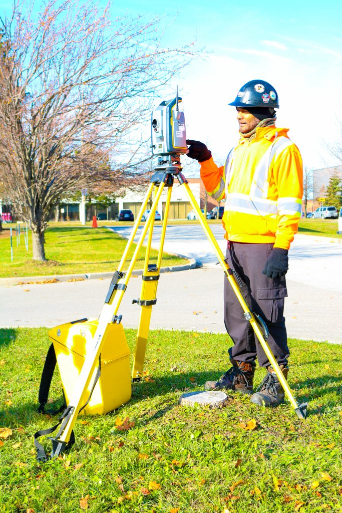 We invest in top technology, including Cansel's Total Station to accurately survey our locate markings and elevations.